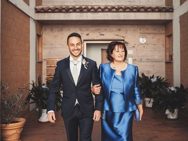 Il matrimonio di Fabio e Giulia a Tolentino, Macerata 12