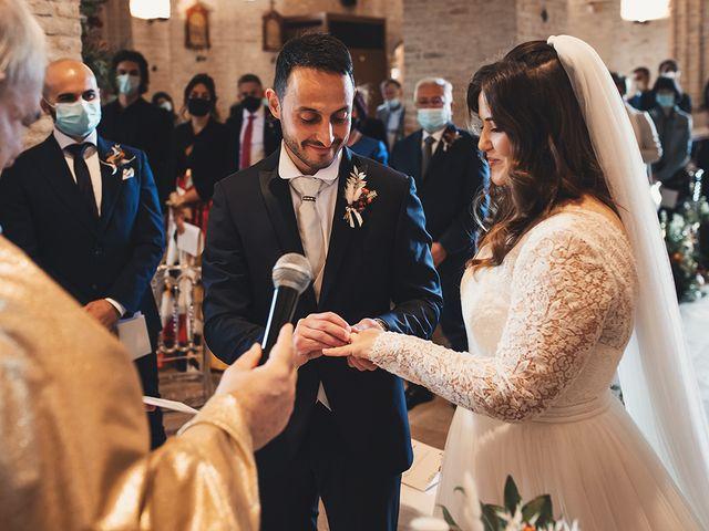 Il matrimonio di Fabio e Giulia a Tolentino, Macerata 17