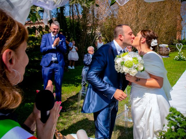 Il matrimonio di Marco e Manuela a Vercelli, Vercelli 16