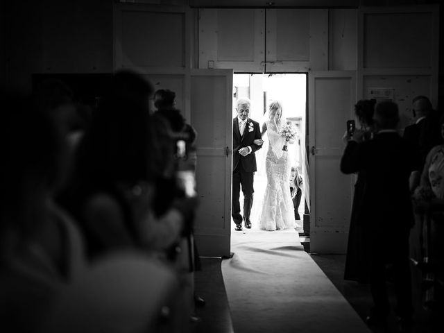 Il matrimonio di Andrea e Valentina a Pesaro, Pesaro - Urbino 19