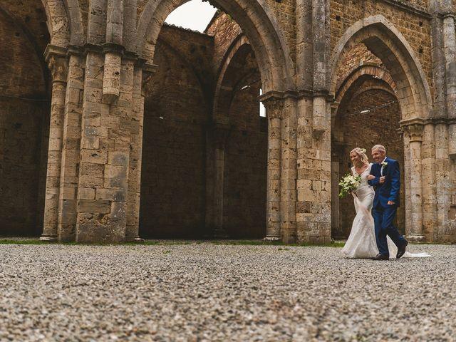 Il matrimonio di Laura e Mattew a Chiusdino, Siena 29