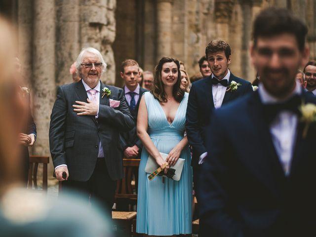 Il matrimonio di Laura e Mattew a Chiusdino, Siena 34
