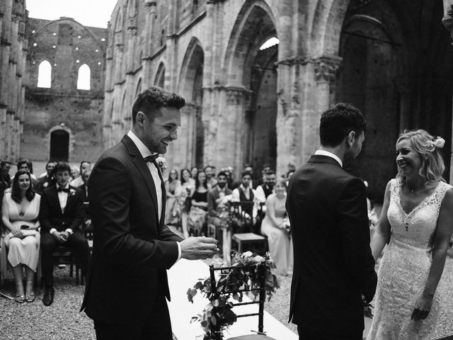 Il matrimonio di Laura e Mattew a Chiusdino, Siena 39