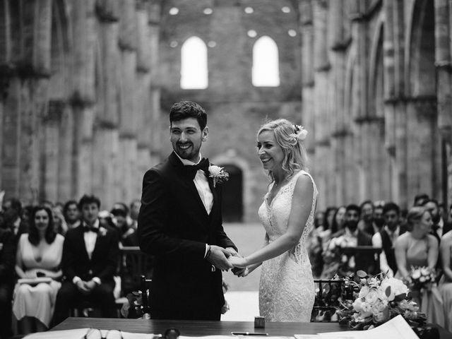 Il matrimonio di Laura e Mattew a Chiusdino, Siena 41