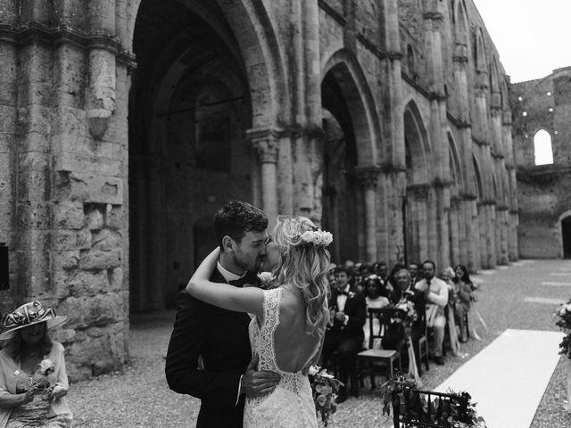 Il matrimonio di Laura e Mattew a Chiusdino, Siena 42