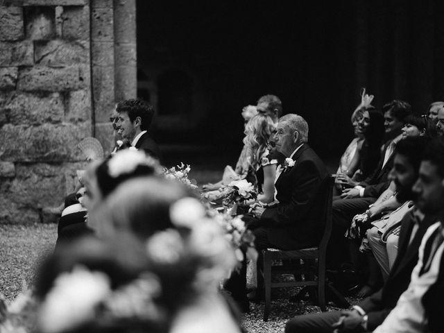Il matrimonio di Laura e Mattew a Chiusdino, Siena 43