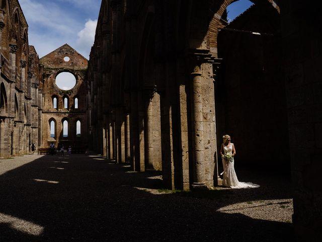Il matrimonio di Laura e Mattew a Chiusdino, Siena 54