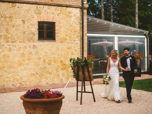 Il matrimonio di Laura e Mattew a Chiusdino, Siena 72