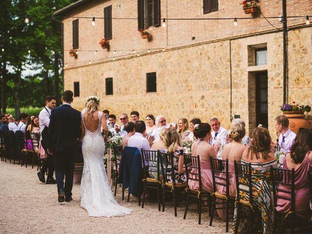 Il matrimonio di Laura e Mattew a Chiusdino, Siena 73