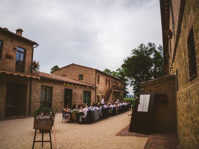 Il matrimonio di Laura e Mattew a Chiusdino, Siena 74