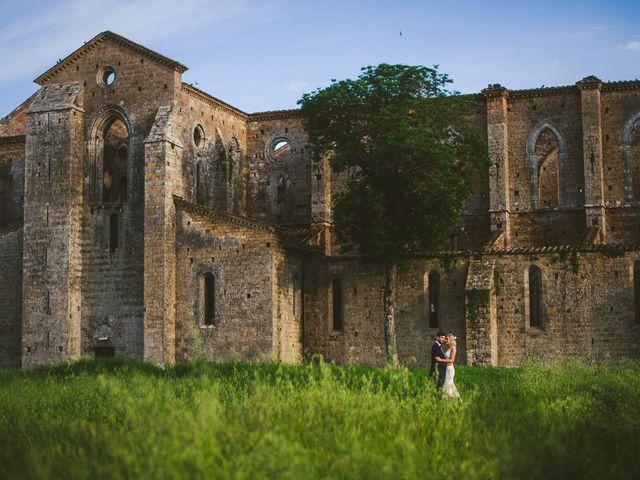 Il matrimonio di Laura e Mattew a Chiusdino, Siena 78