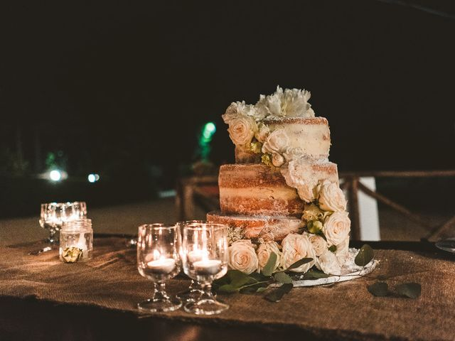 Il matrimonio di Laura e Mattew a Chiusdino, Siena 90