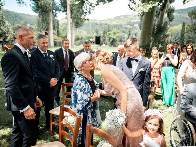 Il matrimonio di Salvatore e Rosaria a Santa Maria del Molise, Isernia 50
