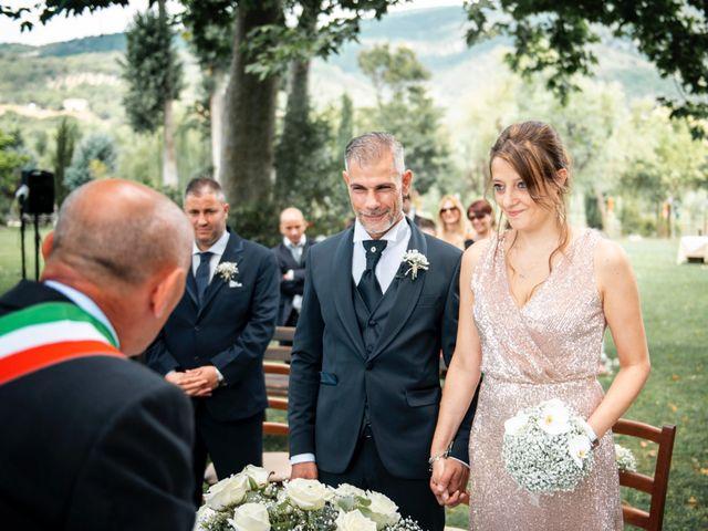 Il matrimonio di Salvatore e Rosaria a Santa Maria del Molise, Isernia 53