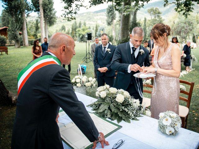 Il matrimonio di Salvatore e Rosaria a Santa Maria del Molise, Isernia 54