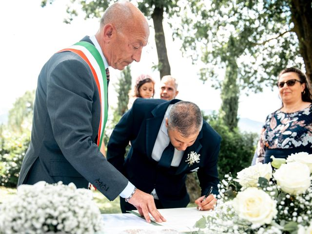 Il matrimonio di Salvatore e Rosaria a Santa Maria del Molise, Isernia 63