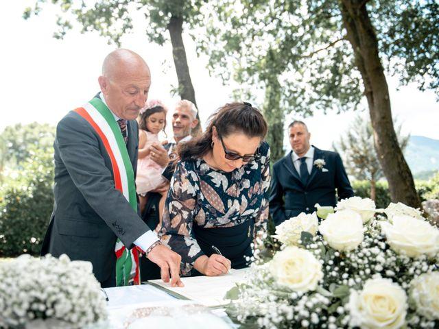 Il matrimonio di Salvatore e Rosaria a Santa Maria del Molise, Isernia 64