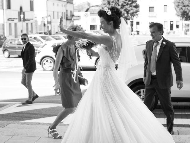 Il matrimonio di Stefano e Michela a Castello di Godego, Treviso 19