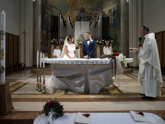 Il matrimonio di Marco e Elena a Romano d'Ezzelino, Vicenza 27