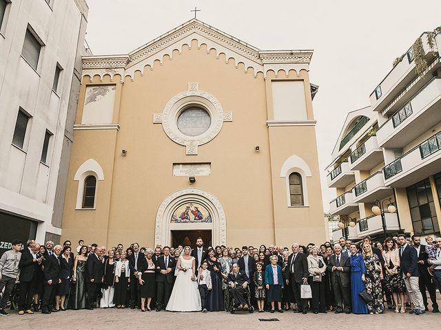 Il matrimonio di Danilo e Valentina a Roseto degli Abruzzi, Teramo 32