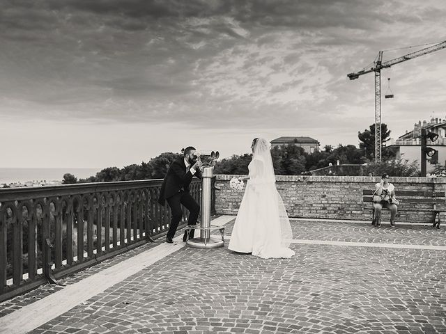 Il matrimonio di Danilo e Valentina a Roseto degli Abruzzi, Teramo 35