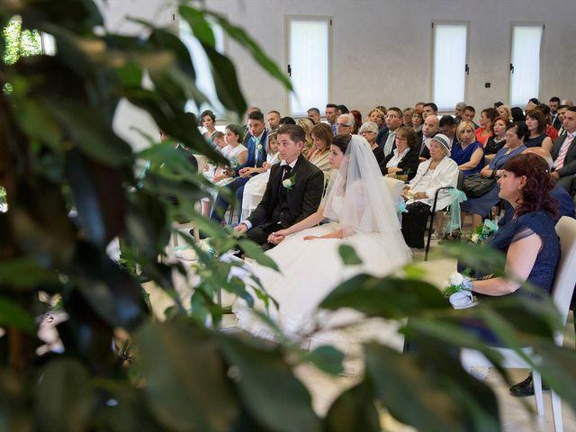 Il matrimonio di Davide e Ester a Lurate Caccivio, Como 9