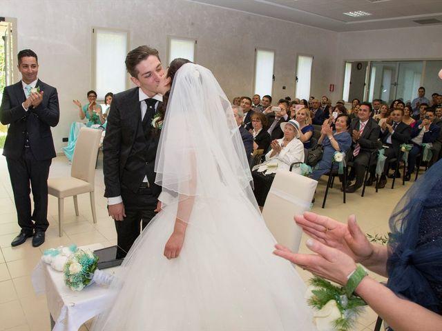 Il matrimonio di Davide e Ester a Lurate Caccivio, Como 10
