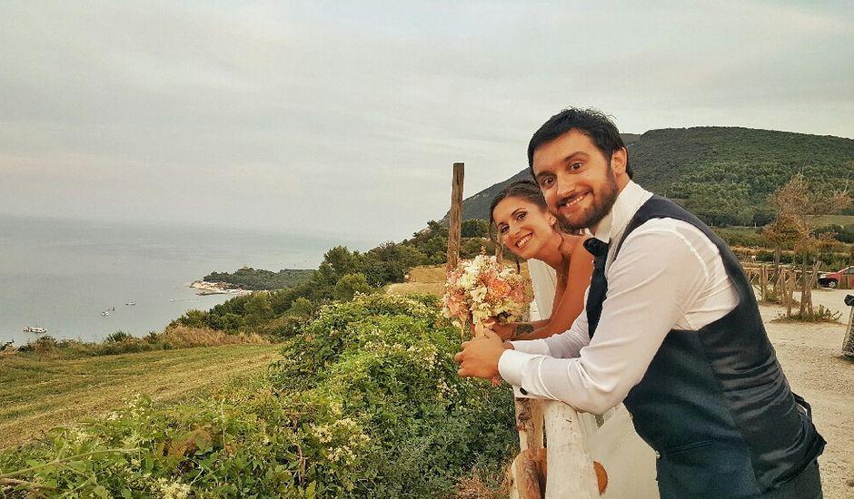 Il matrimonio di Simone e Gloria a Chiaravalle, Ancona