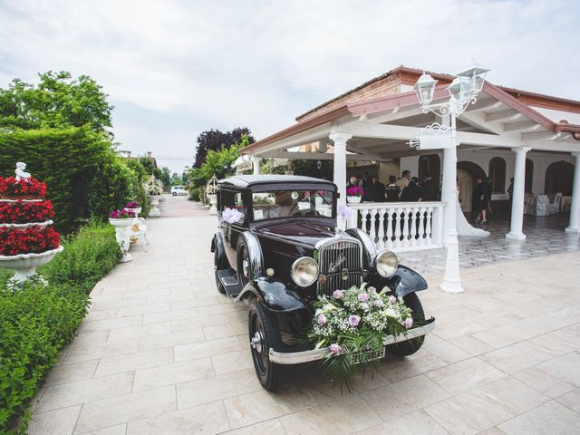 Il matrimonio di Cristian e Elena a Casteldidone, Cremona 11