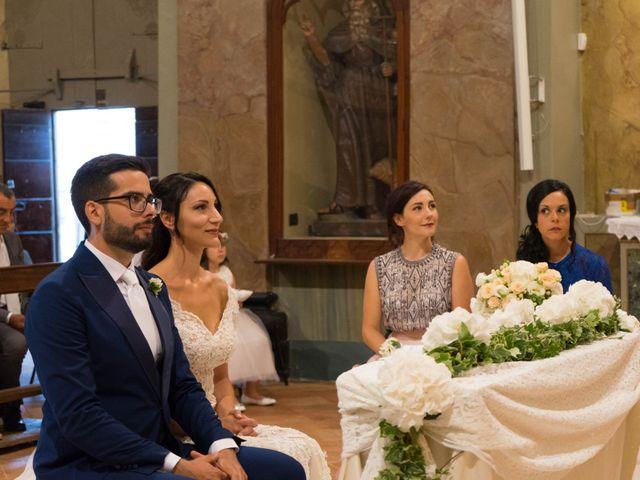 Il matrimonio di Christopher e Lucia a Belforte del Chienti, Macerata 40