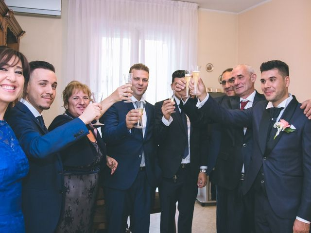 Il matrimonio di Giuseppe e Simona a Corsico, Milano 25