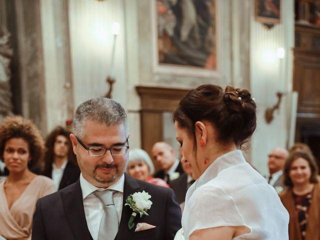 Il matrimonio di Luca e Raffaella a Bardolino, Verona 16