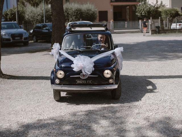 Il matrimonio di Giulio e Veronica a Santarcangelo di Romagna, Rimini 12