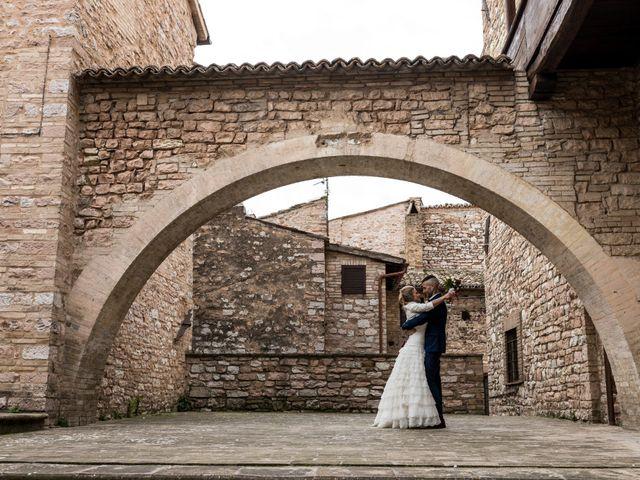 Il matrimonio di Luca e Jessica a Spello, Perugia 19