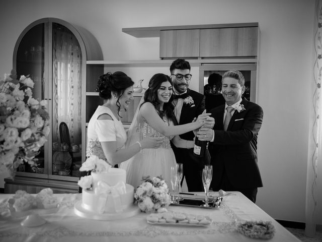 Il matrimonio di Francesco e Teresa a Rocca di Neto, Crotone 24