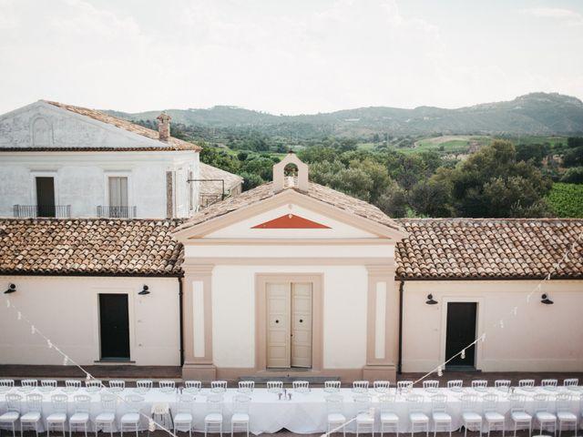 Il matrimonio di Antonella e Simone a Cirò, Crotone 7