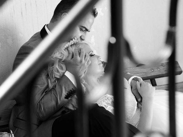 Il matrimonio di Manuela Bucsa  e Ivano Amarena a Tortoreto, Teramo 8