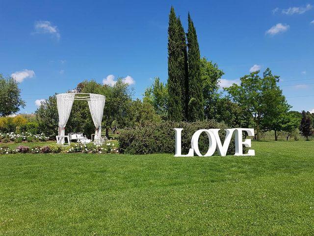 Il matrimonio di Manuela Bucsa  e Ivano Amarena a Tortoreto, Teramo 13