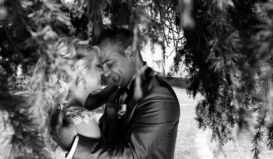 Il matrimonio di Manuela Bucsa  e Ivano Amarena a Tortoreto, Teramo