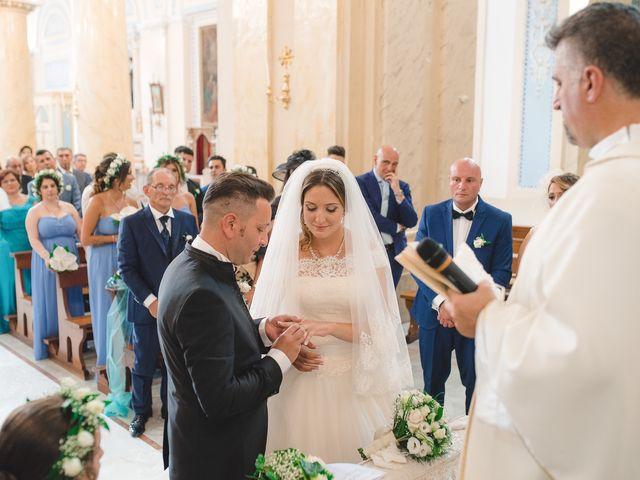Il matrimonio di Zaira e Roberto a Barrafranca, Enna 27