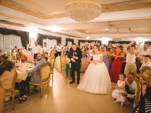Il matrimonio di Zaira e Roberto a Barrafranca, Enna 40
