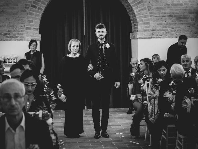 Il matrimonio di Michela e Mattia a Montefano, Macerata 17