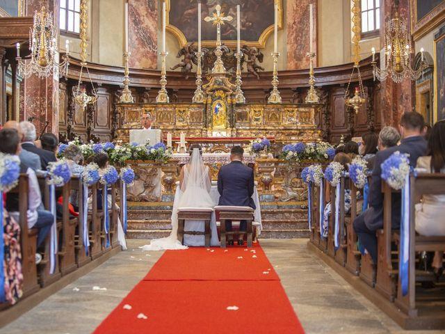 Il matrimonio di Manuel e Sabrina a Besozzo, Varese 21