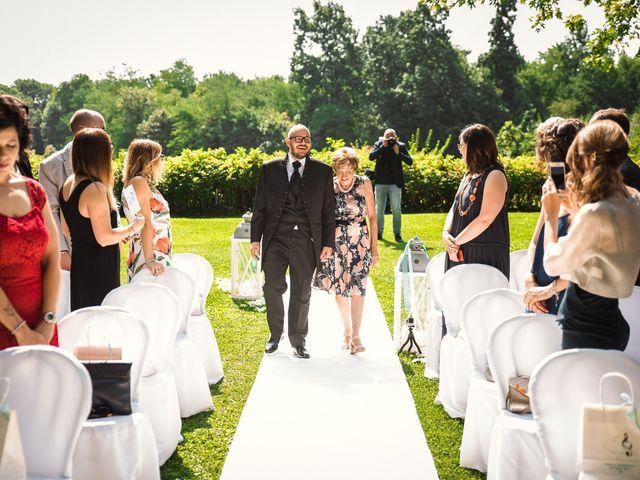 Il matrimonio di Massimiliano e Elena a Viggiù, Varese 7
