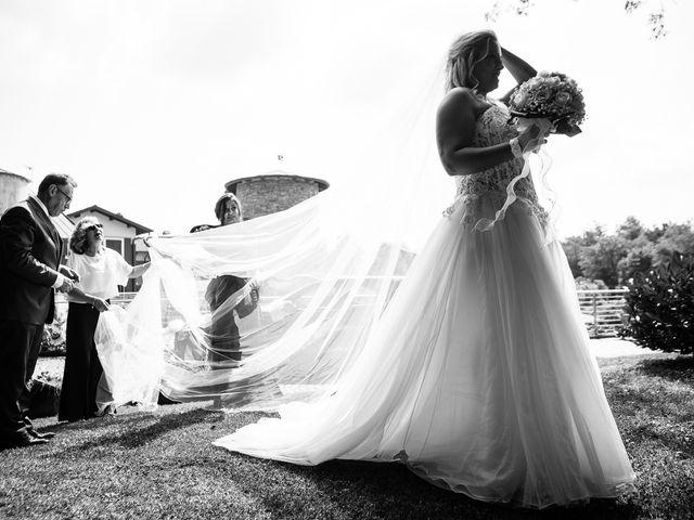 Il matrimonio di Massimiliano e Elena a Viggiù, Varese 9
