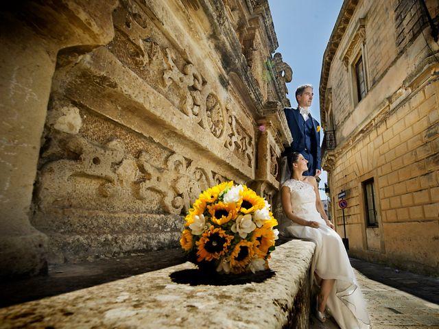 Il matrimonio di Massimo e Cinzia a Acquarica del Capo, Lecce 31