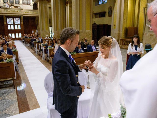 Il matrimonio di Davide e Elsia a Seveso, Monza e Brianza 19
