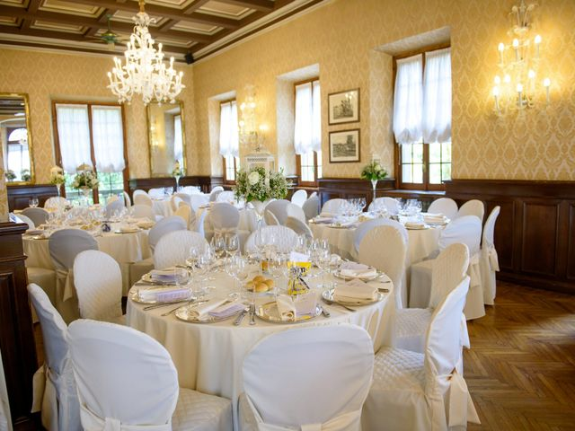 Il matrimonio di Davide e Elsia a Seveso, Monza e Brianza 24