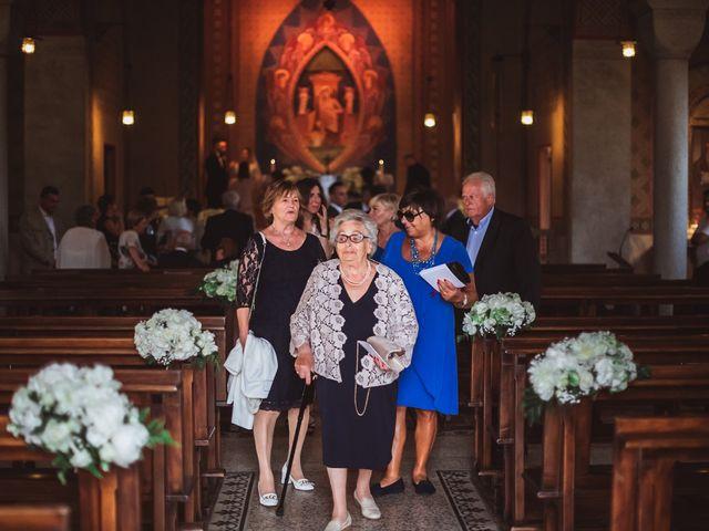 Il matrimonio di Alessandro e Chiara a Inverigo, Como 18