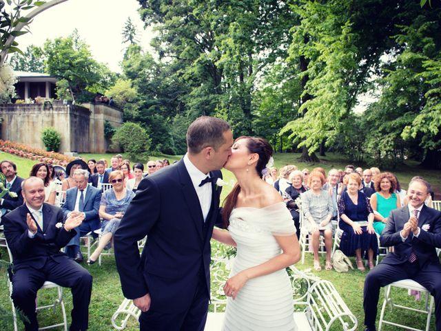Il matrimonio di Stefano e Sabrina a Tradate, Varese 32
